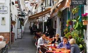Credit: http://www.guardian.co.uk/travel/2013/apr/26/summer-holidays-2013-expert-travel-tips